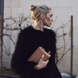 Zimowa stylizacja rebellookblog w kolczykach XXL od elixaofficial elixa blacklookhellip