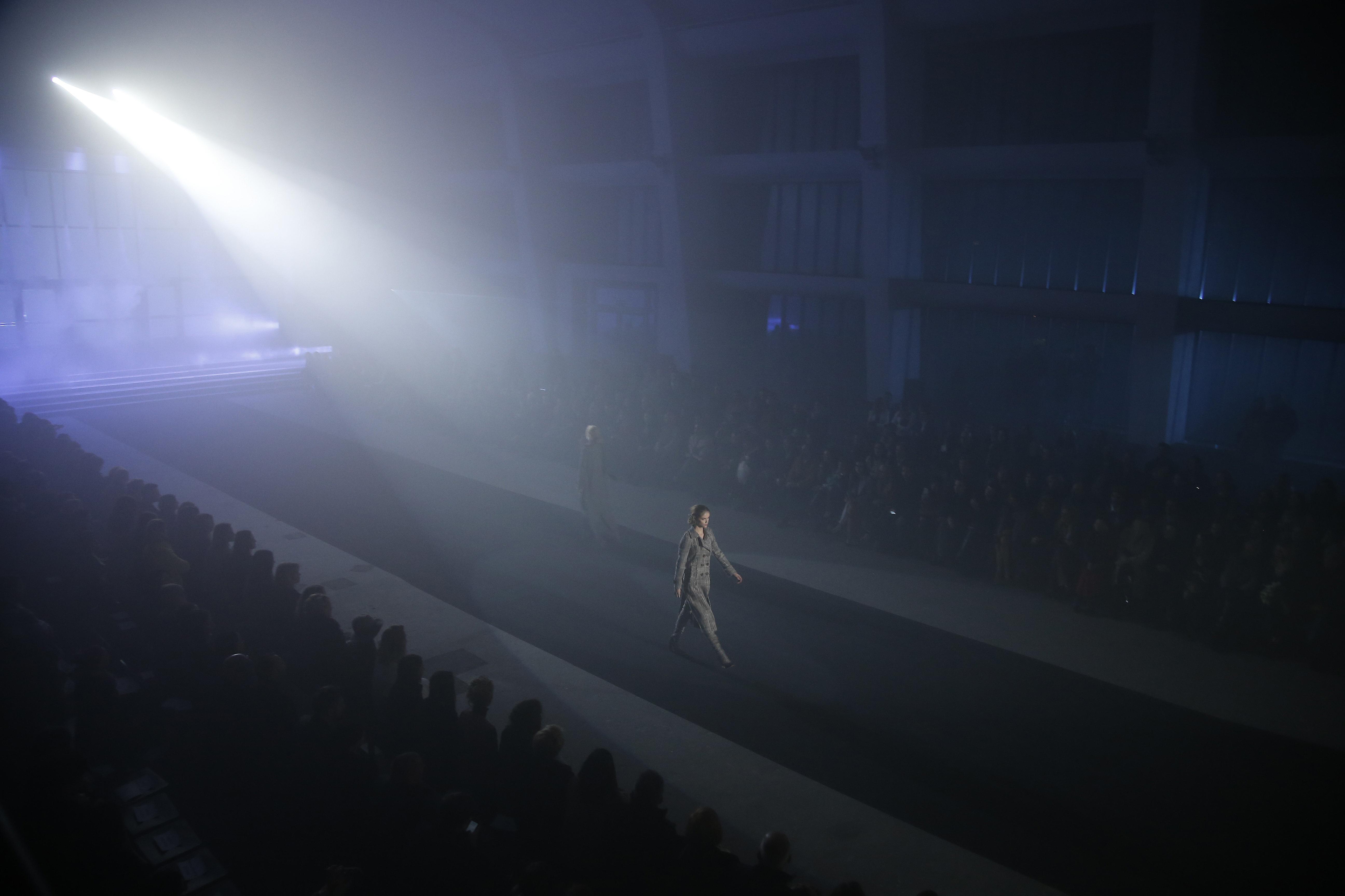 scena z: Pokaz Tomasza Ossolińskiego, SK:, , fot. Baranowski/AKPA